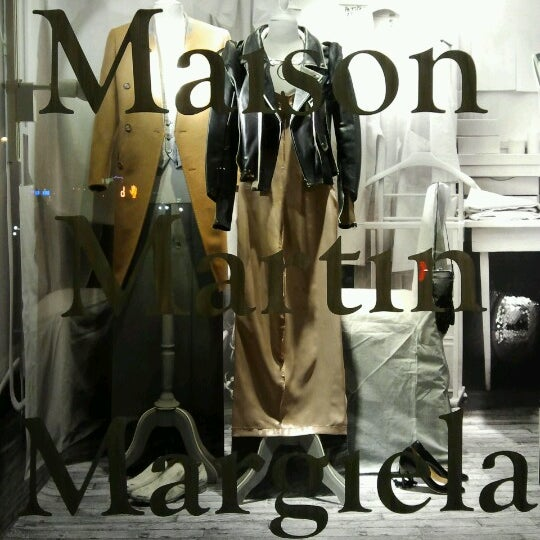 Photo taken at H&M by Carol W. on 11/15/2012