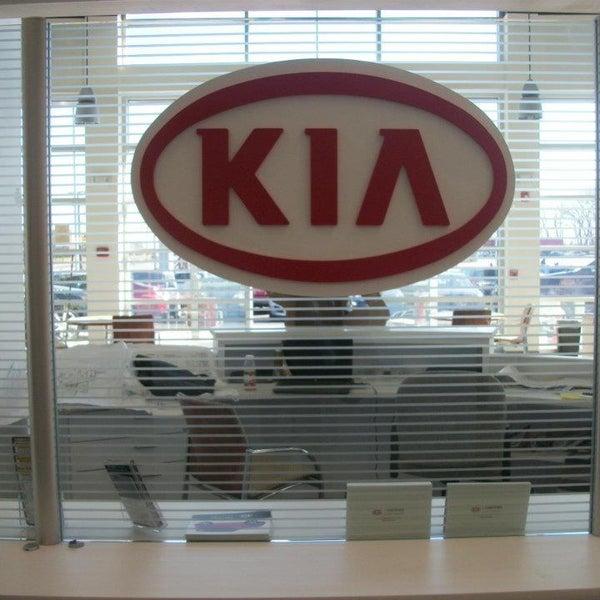 Pride kia auto dealership in lynn for Garage kia englos