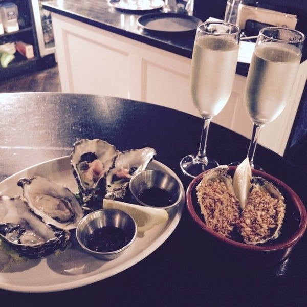 Photo taken at Mourne Seafood Bar by Ekaterina S. on 11/28/2014