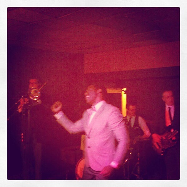 Photo taken at The Beachland Ballroom & Tavern by José F. on 4/13/2013