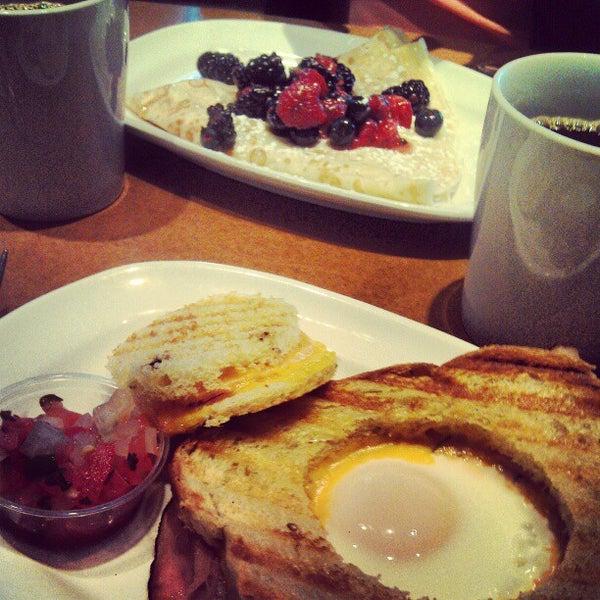 Photo taken at Luna Bakery Café by José F. on 12/15/2012