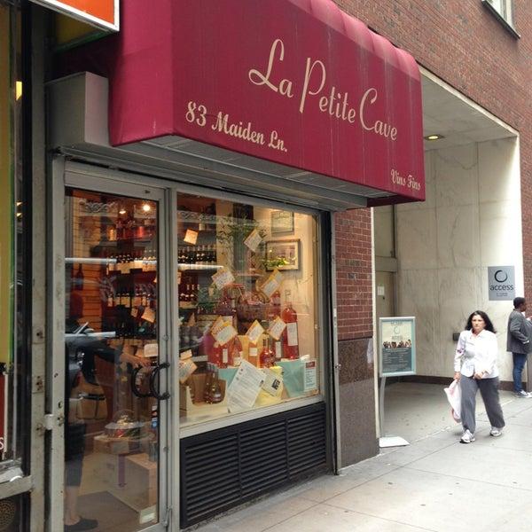 Neighborhood stuff for 111 maiden lane salon