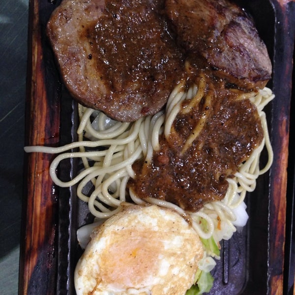 Photo taken at 芮欧美食广场 | Réel Kitchen by Tony P. on 11/15/2013