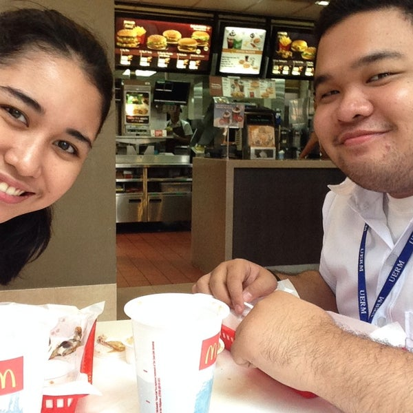 Photo taken at McDonald's by Anna Patricia V. on 9/2/2014