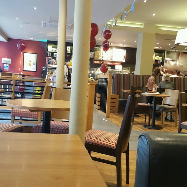 Photo taken at Costa Coffee by Hedley G. on 7/30/2016