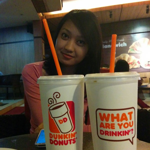 Photo taken at Dunkin' Donuts by Bukan B. on 7/28/2014