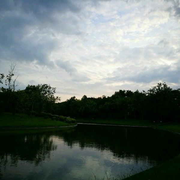 Photo taken at Queen Sirikit Park by Prapat C. on 10/21/2016