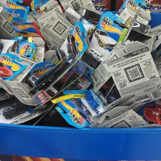 Photo taken at Walmart by Walter.  J P. on 12/4/2013