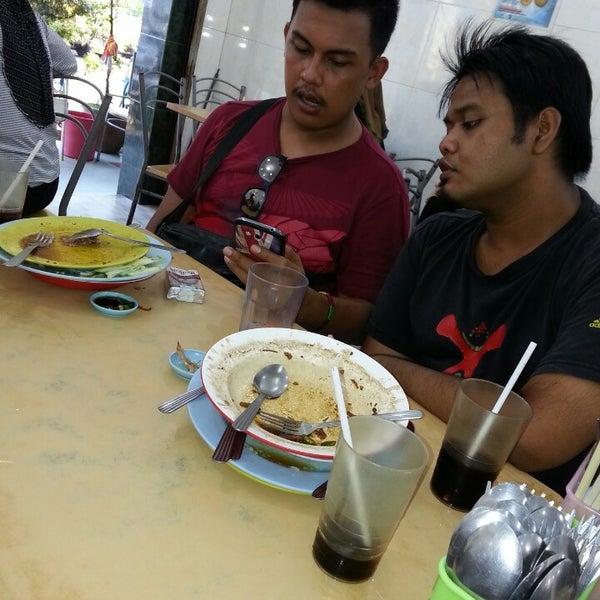 Photo taken at Restoran Victory by Zaid K. on 9/22/2013