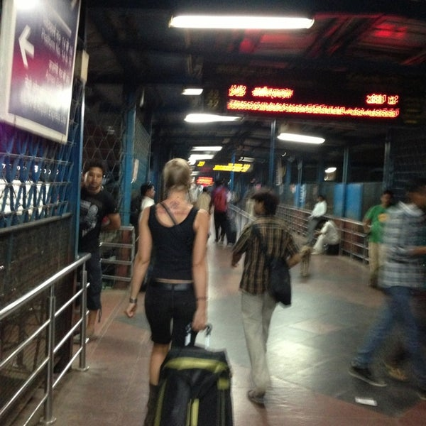 Photo taken at New Delhi Railway Station (NDLS) by Alex D. on 5/17/2013