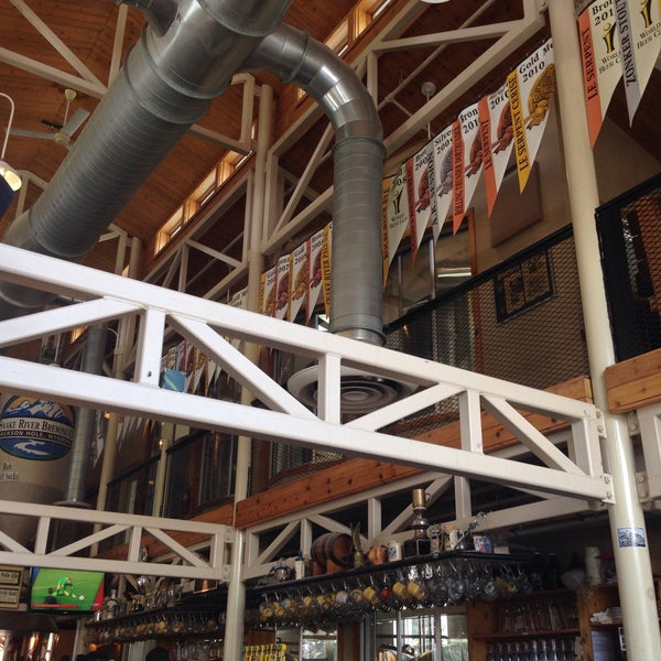 Photo taken at Snake River Brewery & Restaurant by Steve M. on 4/1/2015