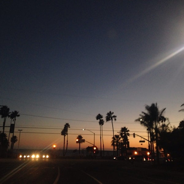 Photo taken at Pacific Palisades Beach by Michael Anthony on 9/18/2014
