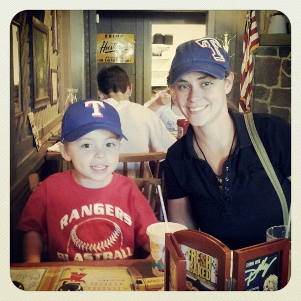 Photo taken at Cracker Barrel Old Country Store by Donny E. on 4/21/2012