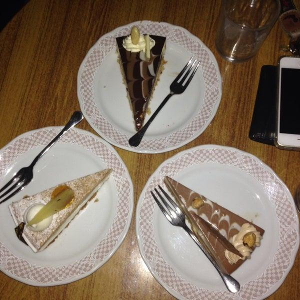 La migliore per me rimane sempre la torta Asia assolutamente da provare!!! I prezzi un po' altini!!!