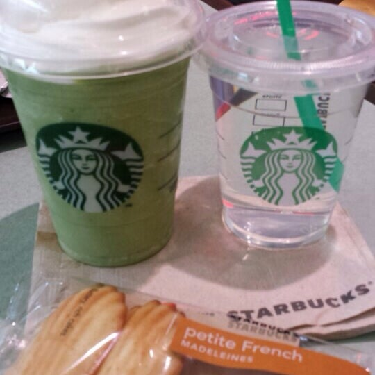 Photo taken at Starbucks by Chelsea on 5/24/2014