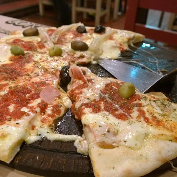 La pizza de piamontesa es deliciosa! La mejor pizza de la costa