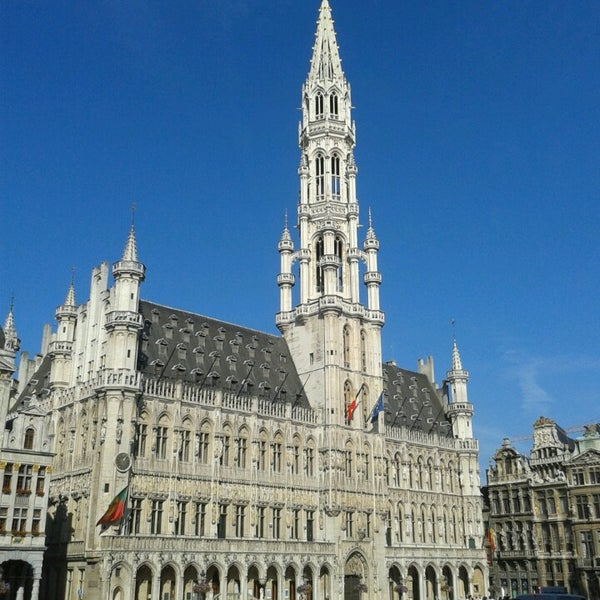 H tel de ville de bruxelles stadhuis brussel city hall for Bruxelles piscine