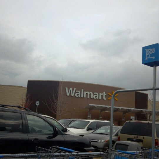 Walmart supercenter big box store in bolingbrook for Fishing license walmart