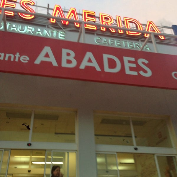 Photo taken at Abades Mérida by Fernando M. on 4/5/2015