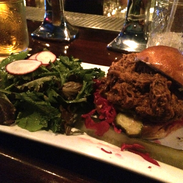 Happy Hour until 8 PM. Daily Specials. Good sound system. Get the super delicious Pulled Pork Sandwich on coleslaw, pickles and a side salad (greens). I'll be back!