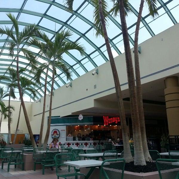 Galleria Mall: Galleria At Crystal Run