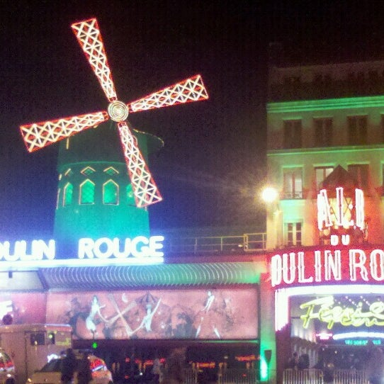 Photo taken at Moulin Rouge by Pame V. on 3/16/2014