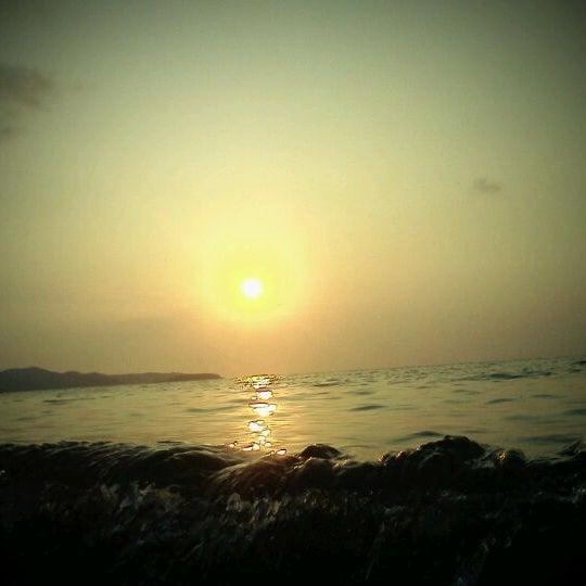Photo taken at หาดทรายแก้ว (Sai Keaw Beach) by 99MegaPixel on 2/13/2012