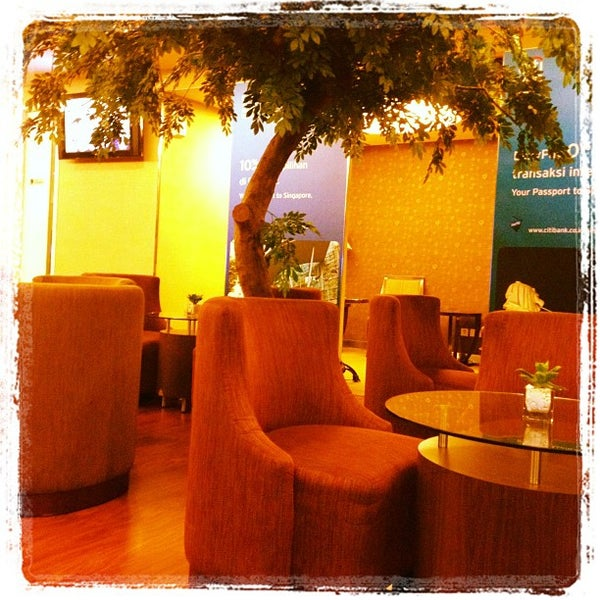 Photo taken at Citibank Lounge by Gede B. M. on 7/8/2012