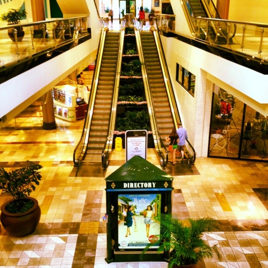 Photo taken at King of Prussia Mall by Majed A. on 7/25/2012