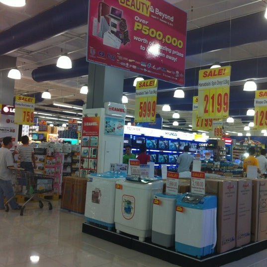 Photo taken at Shopwise by Winnie A. on 9/5/2012