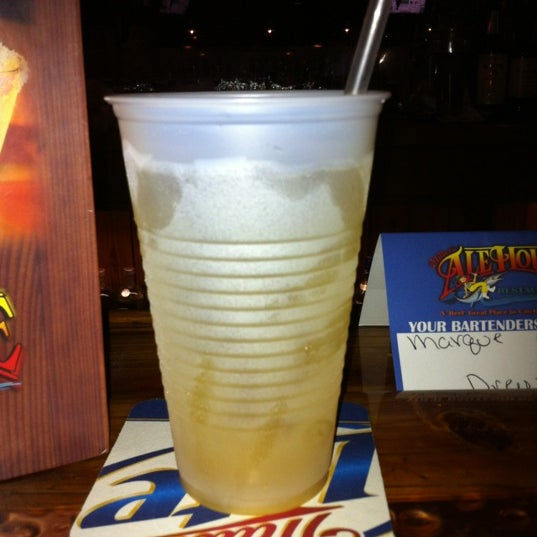 Photo taken at Miller's Boca Ale House by Chantelle L. on 5/17/2012