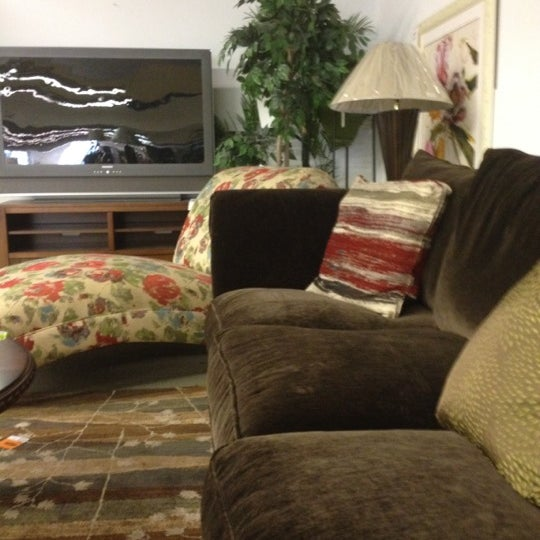 Rooms Store: Rooms To Go Outlet Furniture Store
