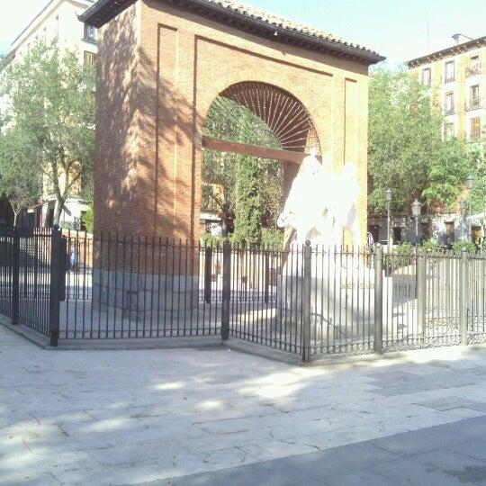 Photo taken at Plaza del Dos de Mayo by Rafa R. on 9/10/2012