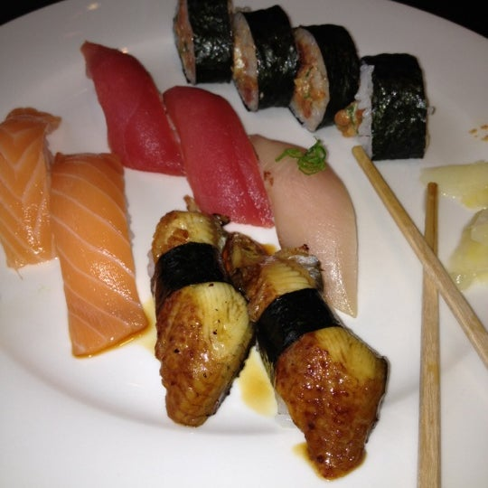 Photo taken at Sushi Lounge by Sother T. on 2/29/2012