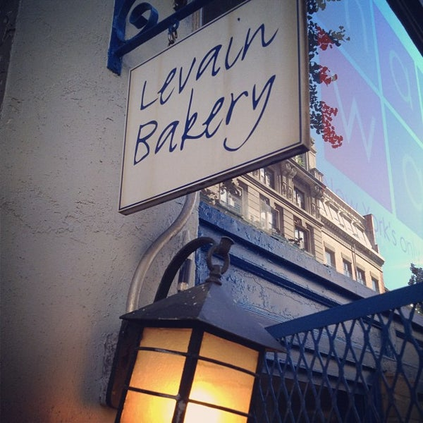 Photo taken at Levain Bakery by Edgar d. on 7/25/2012