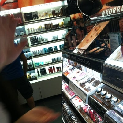 Photo taken at Sephora by L on 7/23/2012