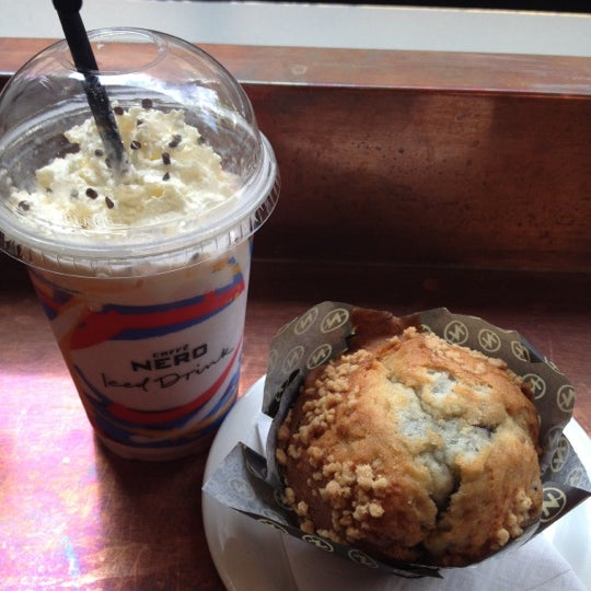 Photo taken at Caffè Nero by Victoria-Jayne S. on 5/28/2012