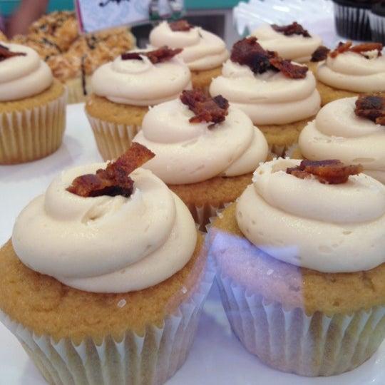 Photo taken at Sift Cupcake & Dessert Bar by Chunk on 5/27/2012