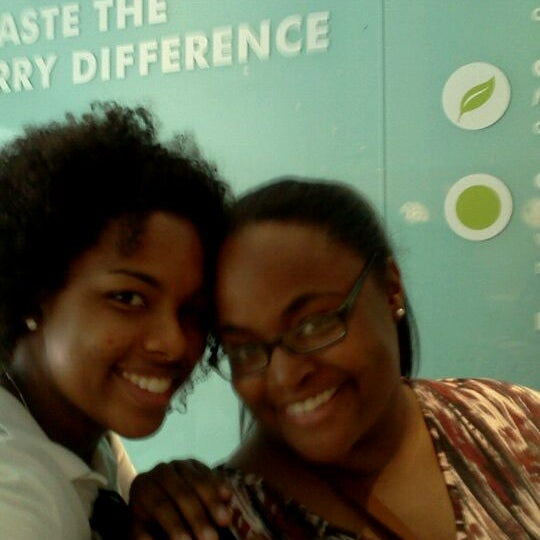 Photo taken at Pinkberry by Rachel L. on 9/3/2011