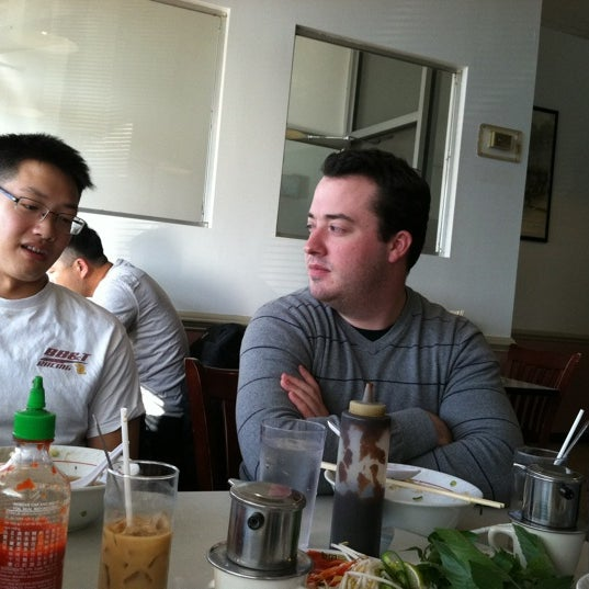Photo taken at Pho 75 by Elizabeth K. on 12/3/2011