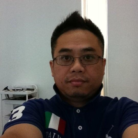 Photo taken at De Gran Salon by Peerasak C. on 1/9/2012