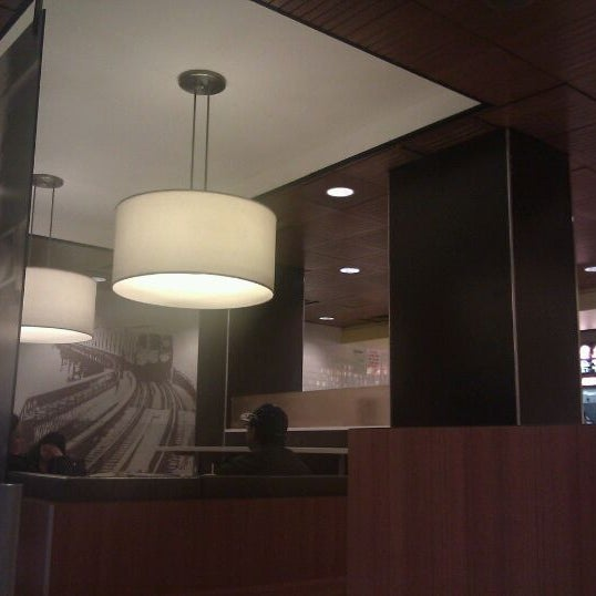 Photo taken at McDonald's by 🚄✈️ El Speedy ✈️🚄 on 11/12/2011