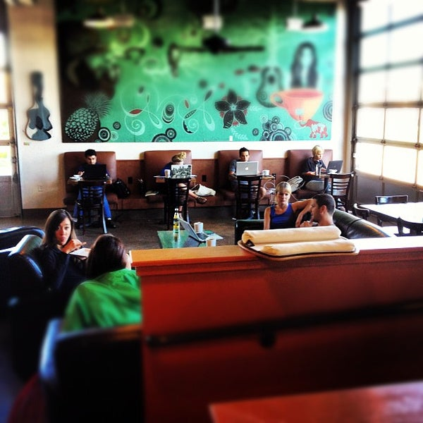 Photo taken at Avoca Coffee by Ryan P. on 9/10/2012