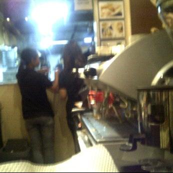 Photo taken at CoffeeBen's & Resto by izianto 2. on 9/6/2011