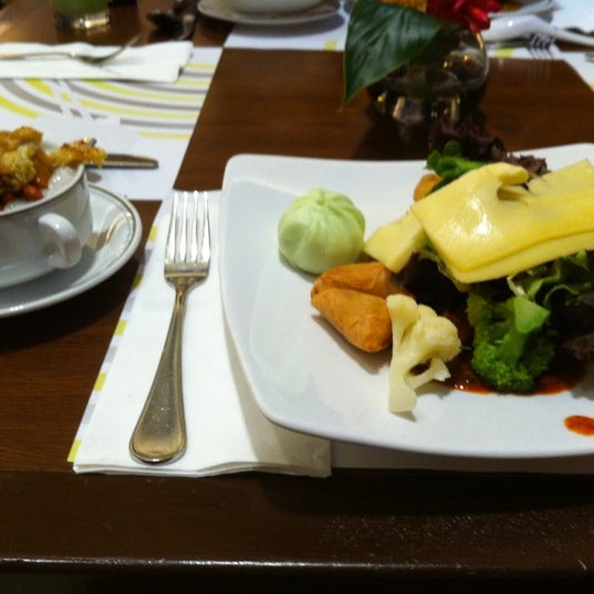 Photo taken at Concorde Hotel by Nobara F. on 7/15/2012
