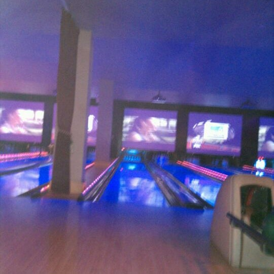Photo taken at Lucky Strike New York by Joe D. on 10/25/2011