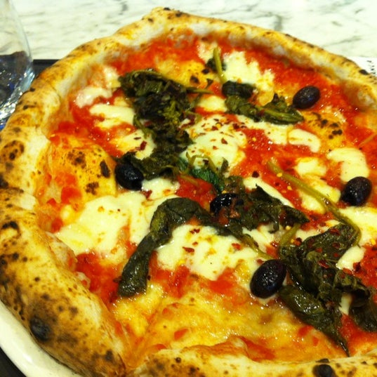 Photo taken at Franco Manca by Sandra P. on 8/10/2012