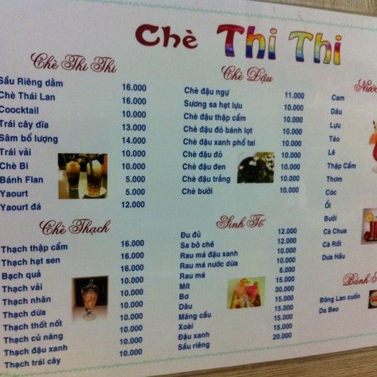 Photo taken at Chè Thi Thi by Minh T. on 1/8/2012