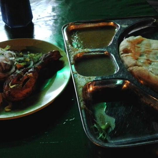 Photo taken at Kedai Jalal by Mas B. on 5/28/2012