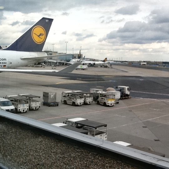 Photo taken at Gate A25 by Stijn P. on 8/5/2011